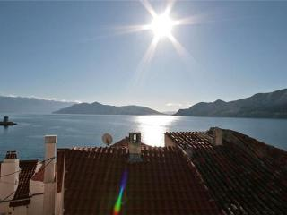 Apartment for 5 persons near the beach in Krk - Baska vacation rentals