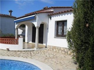 Holiday house for 6 persons, with swimming pool , in Escala - L'Escala vacation rentals