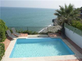 Holiday house for 6 persons, with swimming pool , near the beach in Nerja - Nerja vacation rentals
