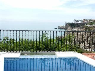 Holiday house for 6 persons, with swimming pool , near the beach in Nerja - Province of Malaga vacation rentals