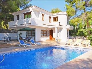 Attractive holiday house for 8 persons, with swimming pool , near the beach in Moraira - La Llobella vacation rentals