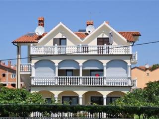 Apartment for 5 persons in Novigrad - Novigrad vacation rentals
