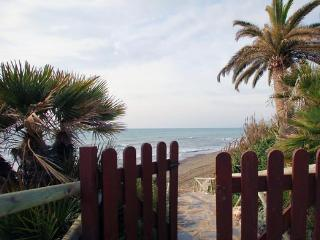 Attractive apartment for 5 persons, with swimming pool , in Estepona - Estepona vacation rentals