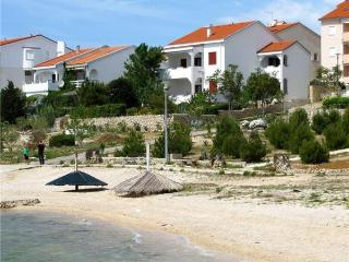 Apartment for 4 persons near the beach in Pag - Vidalici vacation rentals