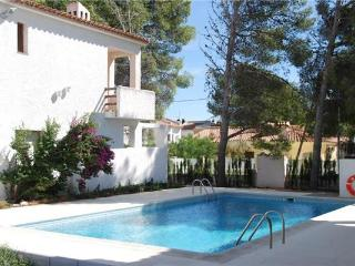 Holiday house for 6 persons, with swimming pool , in Miami Playa - Costa Dorada vacation rentals