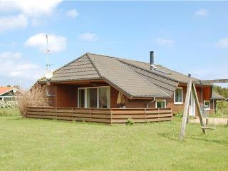Attractive holiday house for 6 persons, with swimming pool , near the beach in North-western Funen - Middelfart vacation rentals