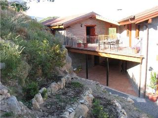 Apartment for 4 persons in Pyrenees - Province of Lleida vacation rentals