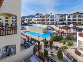 Attractive apartment for 4 persons, with swimming pool , in Paphos - Peyia vacation rentals