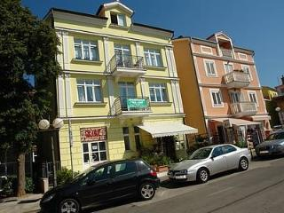 Apartment for 3 persons near the beach in Selce - Selce vacation rentals