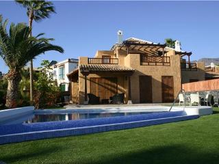 Luxury holiday house for 6 persons, with swimming pool , in Adeje - Tenerife vacation rentals