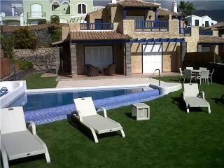 Luxury holiday house for 6 persons, with swimming pool , in Adeje - Costa Adeje vacation rentals