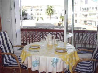 Apartment for 4 persons near the beach in Empuriabrava - Empuriabrava vacation rentals