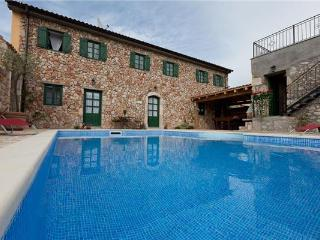 Luxury holiday house for 14 persons, with swimming pool , in Crikvenica - Bribir vacation rentals