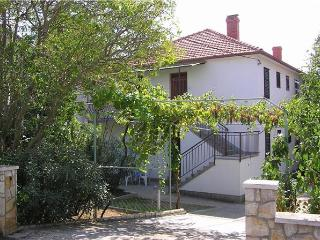 Apartment for 5 persons near the beach in Zadar - Zadar vacation rentals