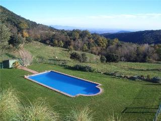 Apartment for 4 persons, with swimming pool , in Girona - La Vajol vacation rentals