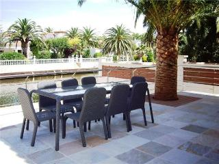 Holiday house for 7 persons, with swimming pool , in Empuriabrava - Empuriabrava vacation rentals