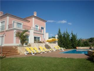 Holiday house for 8 persons, with swimming pool , in Albufeira - Albufeira vacation rentals