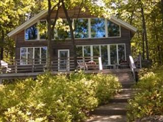 Rattlesnake Island Vacation Rental on Lake Winnipesaukee (CAS292Im) - Alton vacation rentals