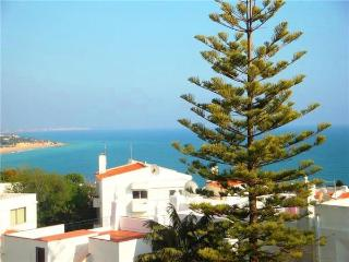 Holiday house for 6 persons, with swimming pool , near the beach in Albufeira - Albufeira vacation rentals