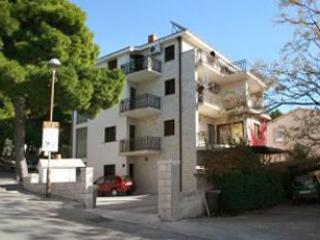 Apartment for 4 persons in Makarska - Image 1 - Makarska - rentals