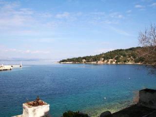 Apartment for 4 persons near the beach in Solta - Grohote vacation rentals