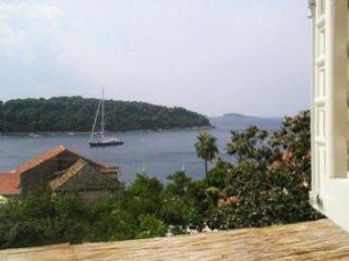 Renovated holiday house for 6 persons near the beach in Dubrovnik - Cavtat vacation rentals