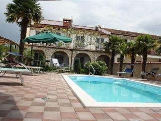 Attractive apartment for 4 persons, with swimming pool , in Porec - Tar vacation rentals