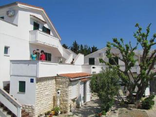 Attractive apartment for 4 persons in Pag - Novalja vacation rentals