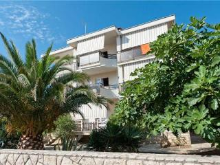 Apartment for 2 persons near the beach in Pag - Novalja vacation rentals