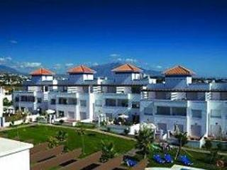 Holiday house for 8 persons, with swimming pool , in Marbella - Image 1 - Estepona - rentals