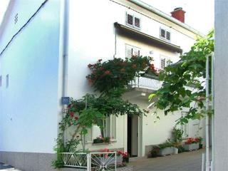 Apartment for 4 persons in Krk - Punat vacation rentals