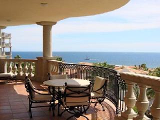 Ocean view Casa Cielo- near beach, terrace with jacuzzi & ensuites - Baja California vacation rentals