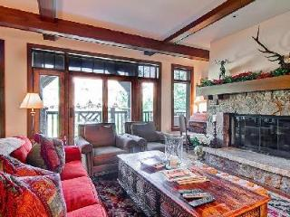 Self-catered ski-in/ski-out Snowcloud Lodge 5 with access to Ritz Carlton spa & fitness facilities - Beaver Creek vacation rentals