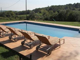 Apartment for 5 persons, with swimming pool , in Girona - Vilademuls vacation rentals