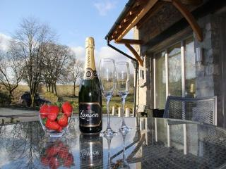 THE CARRIAGE HOUSE, Nr Kendal, Windermere - Kendal vacation rentals
