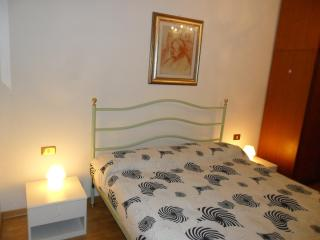 Sunny Venice Apartment - Fagagna vacation rentals
