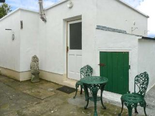 LOUGH CONN VIEW, pet-friendly single-storey cottage near fishing, Pontoon Ref 23171 - Northern Ireland vacation rentals