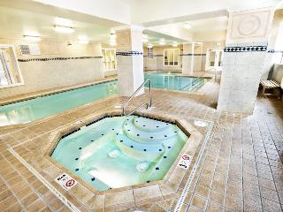 BOOK ONLINE! Amazing From Start to Finish. Seattle's Best Vacation Spot! Pool!STAY ALFRED MT2 - Seattle vacation rentals