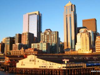 BOOK ONLINE! The Perfect Family Vacation Downtown Starts Here. Unbeatable Location! STAY ALFRED HS2 - Seattle Metro Area vacation rentals