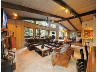 #042 Pinewood Lodge - Big Bear Lake vacation rentals