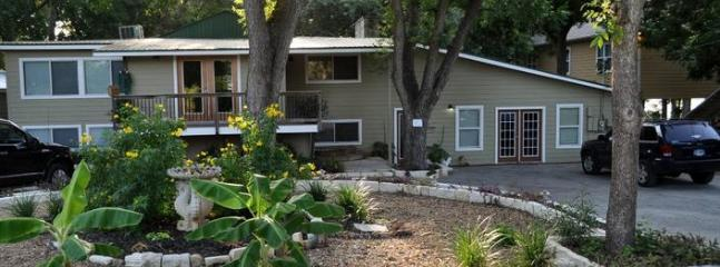 Front of house - THE BEST PLACE TO STAY ON LAKE DUNLAP-BEAR HAUS - New Braunfels - rentals