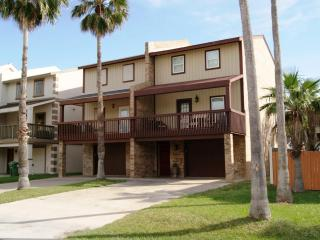 Blue Rain luxurious townhouse sleeps 10 - South Padre Island vacation rentals