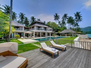 Angsoka Beach Villa - 6 Bedroom in Candidasa, Bali - Candidasa vacation rentals