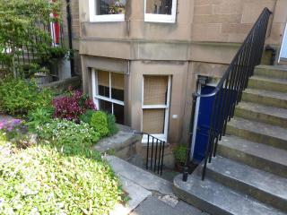 Leamington: Charming light lower-ground flat - Edinburgh & Lothians vacation rentals