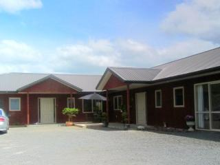 Kauri Lodge - Spacious 2 bedroom Holiday Apartment - Cambridge vacation rentals