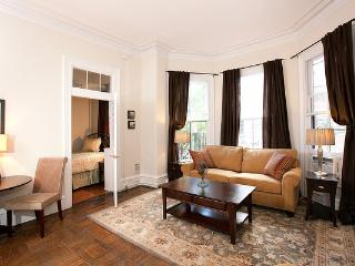 Back Bay - Marlborough #3 - 1 bedroom, 1 bathroom, sleeps 2-4 in beds - Greater Boston vacation rentals