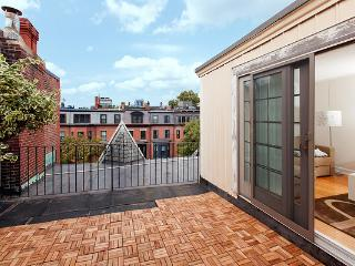 Back Bay - Marlborough #7 - 2 bedroom,  1 bathroom with private, roof-top terrace, sleeps 4-6 in beds - Boston vacation rentals