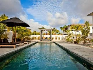 Stylish Garden Villas Iguana - tropical gardens, saltwater pool & short drive to Pink Beach - Kralendijk vacation rentals