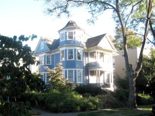 Turret House (Apt 3) Renovated Victorian Flat - Seattle Metro Area vacation rentals