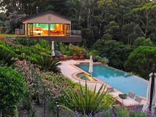 Indulgent Accommodation  - The Outlook Cabana, between Terrigal & Avoca - Terrigal vacation rentals
